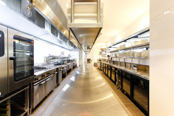 8-On-The-Point-commercial-kitchen-by-Caterlink-9-e1491803981190